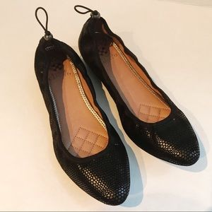 Vince Camuto leather pointed toe flats